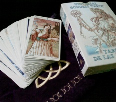 Beginners' Techniques to Get Started With Tarot Reading from Free Tarot Online Readers